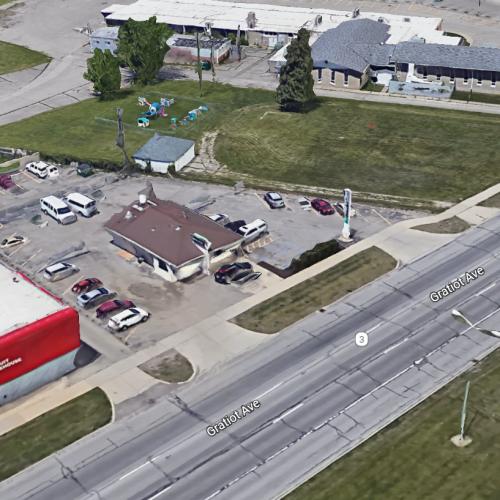 29535 Gratiot Ave, Roseville